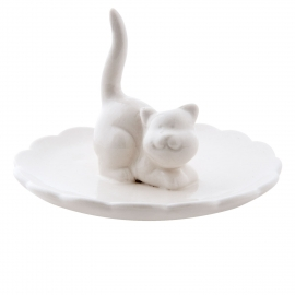 Porcelain plate with cat