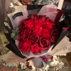 Luxurious bouquet of soap roses