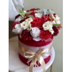 Luxurious bouquet of red fragranced soap flowers, L size